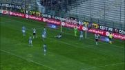 La deviazione di Costa colpisce la traversa: Parma sfortunato contro la Lazio