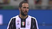 La girata di Higuain non centra la porta del Milan
