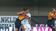La trattenuta di Andelkovic su Toni causa il rigore per il Verona