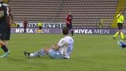 L'arbitro assegna un fallo al Cagliari per un tackle duro di Cana su Ibarbo