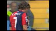 Lavezzi è imprendibile per la difesa del Genoa: Rossi è costretto al fallo da espulsione