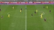 Lazovic colpisce il pallone con la mano in area: Genoa graziato al Bentegodi