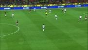 Kroldrup in scivolata fallosa su Borriello: calcio di rigore per il Milan a San Siro