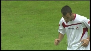 Manfredini regala palla a Meggiorini che non concretizza, cogliendo il palo