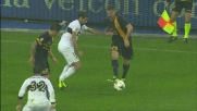 Marchionni contrasta fallosamente Jorginho: è il secondo rigore della partita per il Verona