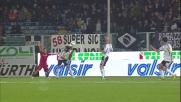 Martinez, il braccio in area è troopo largo, rigore per il Cagliari