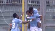 Mauri beffa Bardi con un tiro di sinistro al volo e segna l goal del vantaggio della Lazio