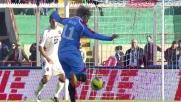 Maxi Lopez cerca il goal, ma deve fare i conti con Agazzi