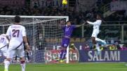 Mbaye vola di testa, la palla colpisce il palo della Fiorentina