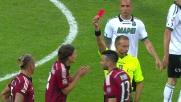 Mexes va dritto sulle gambe di Berardi e l'arbitro decide per il rosso