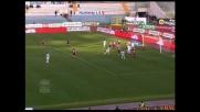 Mauri scarica il sinistro in porta e la Lazio va in vantaggio contro il Genoa