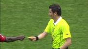Muntari si sostituisce all'arbitro e ammonisce Balotelli