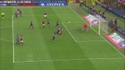 Nastasic trattiene Maxi Lopez provocando un rigore per il Milan