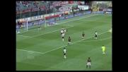 Natali tocca in area Gourcuff: rigore per il Milan