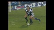 Natali trattiene Janker e l'arbitro lo punisce concedendo un rigore