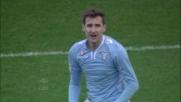 Klose in scivolata colpisce il palo del Livorno