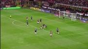 Il freddo Handanovic para un tiro di Bojan nel derby