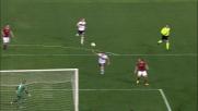 Osvaldo liscia la conclusione a rete contro il Genoa