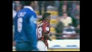 Spettacolo Baggio, stop e sombrero al difensore, ma il tiro esce a lato