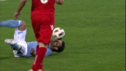 Lavezzi si conquista un penalty contro il Cagliari dopo una grande azione corale