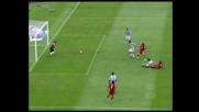 Il palo salva l'Udinese dal colpo di testa di Gilardino!