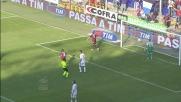 Palacio salta il portiere e realizza il goal del tris del Genoa