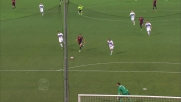 Pavoletti in contropiede spaventa l'Inter: il suo tiro viene deviato da Miranda in extremis