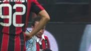 Pazzini anticipa la difesa del Bologna ma il tiro di destro è sul fondo