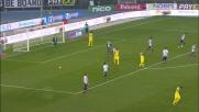Pepe manda il pallone a lato da buona posizione al Bentegodi