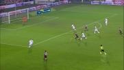 Percussione di Baselli, cerca il goal ma Burdisso salva il Genoa