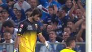 Perin sbuccia il pallone sul tentativo di rinvio nel match con la Sampdoria