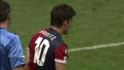 Perotti danza sul pallone, Nica lo ferma commettendo fallo da rigore