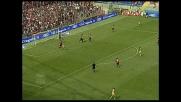 Pinzi anticipa tutti sul primo palo, Chievo in vantaggio sul Genoa