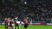 Pogba tenta il goal in rovesciata in Juventus-Milan