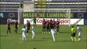 Terlizzi sfrutta la barriera per segnare un goal al Cagliari
