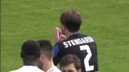 Stendardo tocca con la mano una palla vagante in area: rigore per il Milan a Bergamo