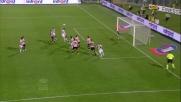 Aronica la tocca con le mani e regala un rigore all'Udinese