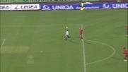 Di Natale controlla in palleggio e segna il goal dell'1-0 sulla Roma con uno splendido destro nel sette