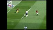 Ricardo Oliveira non arriva sul pallone, il Milan va vicino al goal contro la Fiorentina