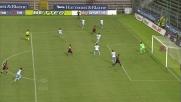 Avelar è imprendibile per la difesa della Lazio e colpisce la traversa al Sant'Elia