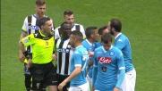 L'arbitro Irrati espelle Higuain per un fallo di reazione su Felipe e scatena l'ira del Napoli