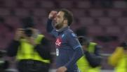 Higuain coglie l'attimo e segna il goal del momentaneo vantaggio sul Genoa