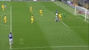 Sansone apre le marcature a Marassi contro l'Hellas Verona