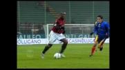 Seedorf nasconde il pallone ai giocatori del Lecce