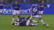 Silvestre arpiona il pallone a Pandev, chiuso l'attacco del Genoa