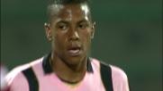 Hernandez trafigge Dida dopo un triangolo con Miccoli e segna il goal del radoppio per il Palermo