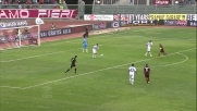 Spolli salva di tacco sulla linea un gol di Emeghara