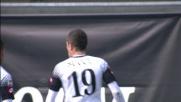 Succi sigla il goal del definitivo 3 a 3 tra Verona e Cesena