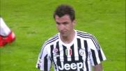 Mandzukic spavante il Milan allo Juventus Stadium con una conclusione da distanza ravvicinata