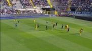 Tackle vincente di Moralez ai danni di Viviani in Atalanta-Verona